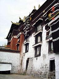 монастырь Ташилумпо в Шигадзе