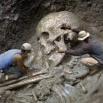 Смитсоновский институт признал уничтожение тысяч скелетов гигантов